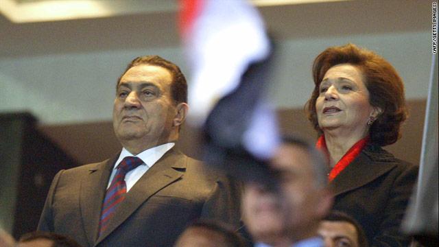La esposa de Hosni Mubarak sufrió un infarto