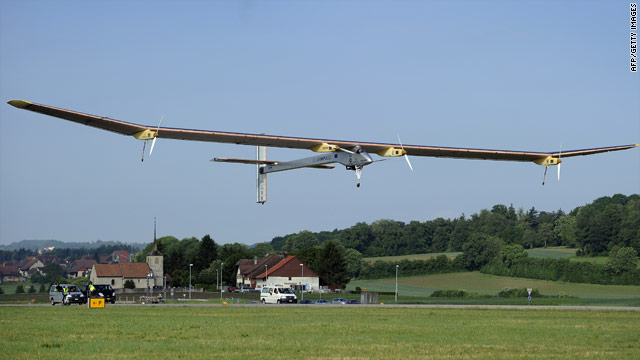 Solar-powered plane making first international flight