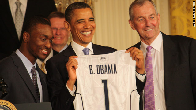 Obama hosts championship team at the White House