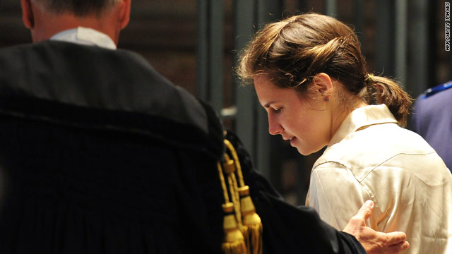Italian court extends Amanda Knox evidence probe