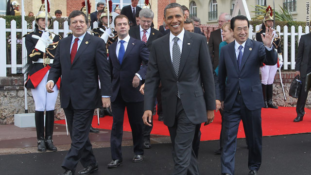 Obama meets with other world leaders in France