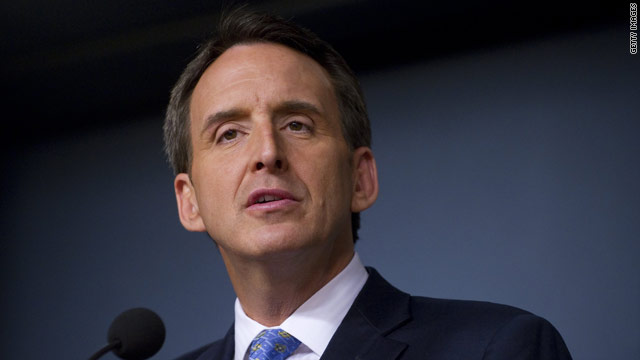 Pawlenty spins low poll numbers