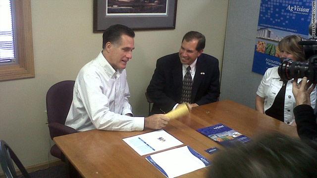 Romney returns to Iowa, backs ethanol subsidies