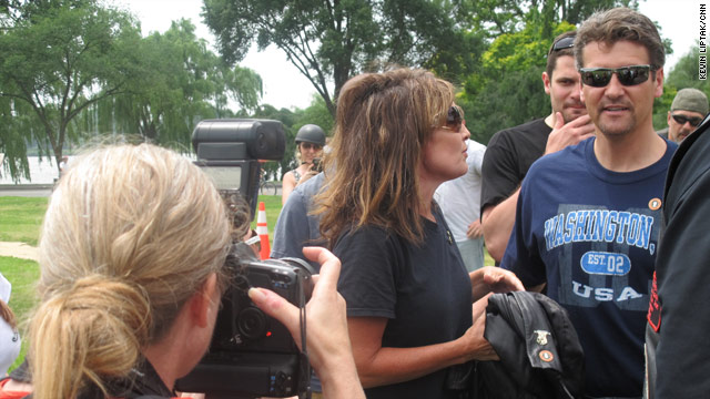 Palin pressed on Medicare during bus tour stop