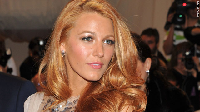 Blake Lively: Those nude pics are fake