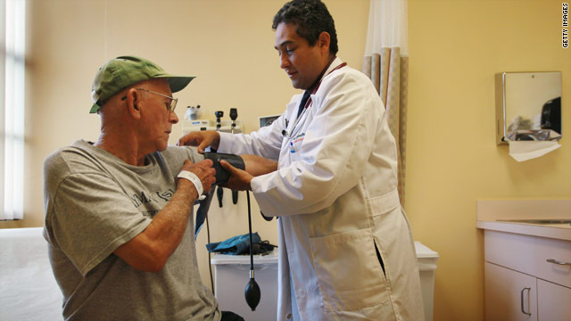CNN Poll: Support rises for health insurance mandate