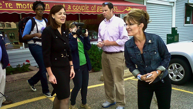 Palin grabs coffee with Ayotte in New Hampshire