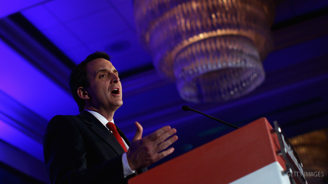 Pawlenty unveils economic plan in Obama's hometown