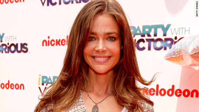 Denise Richards to write memoir about &#039;love story&#039; with Charlie Sheen