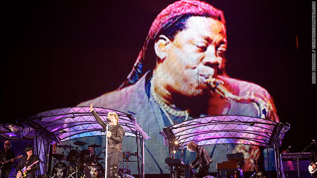 Stars pay tribute to Clarence Clemons