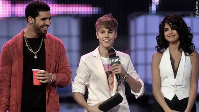 Bieber, Gaga score Canadian video awards