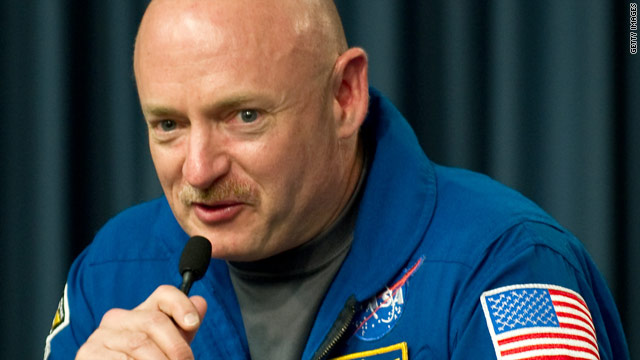 Mark Kelly retiring from Navy, NASA to be with Rep. Giffords