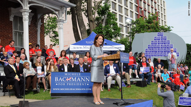 Ex-Bachmann chief backs Pawlenty for prez