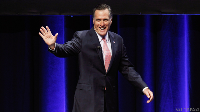Romney signs economic pledge