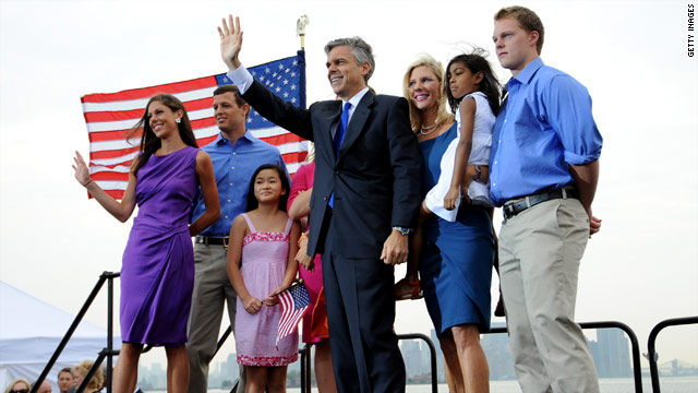 Huntsman&#039;s son goes to Romney event