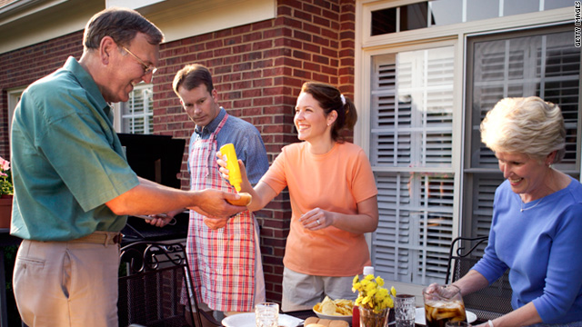 Breaking down the fence: do you eat with your neighbors?