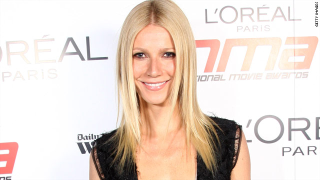 Gwyneth Paltrow joins 'Glee' on stage in London