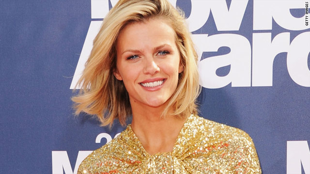 Brooklyn Decker joins J.Lo in 'What to Expect'