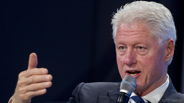 Clinton to Obama: Stay strong over debt ceiling