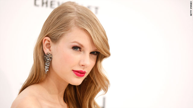 Taylor Swift reschedules sold-out show
