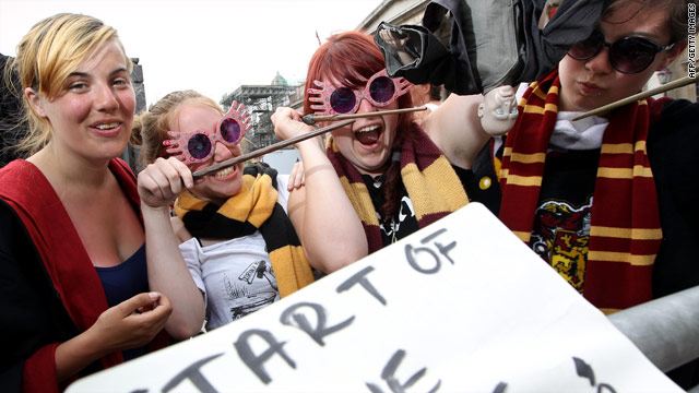 On the Radar: Potter premiere, missing off Mexico, Afghan killings trial