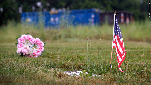 Ex-director of Illinois cemetery sentenced in burial scheme
