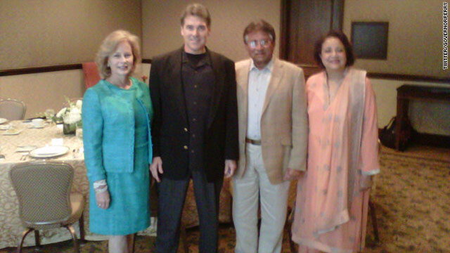 Photo of the Day: Texas Gov. meets with Musharraf
