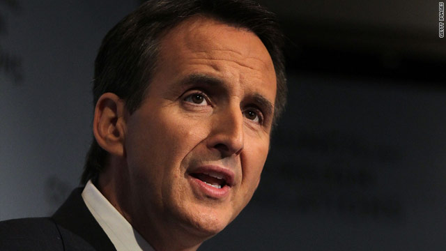 Pawlenty hits Bachmann and Romney in single slam
