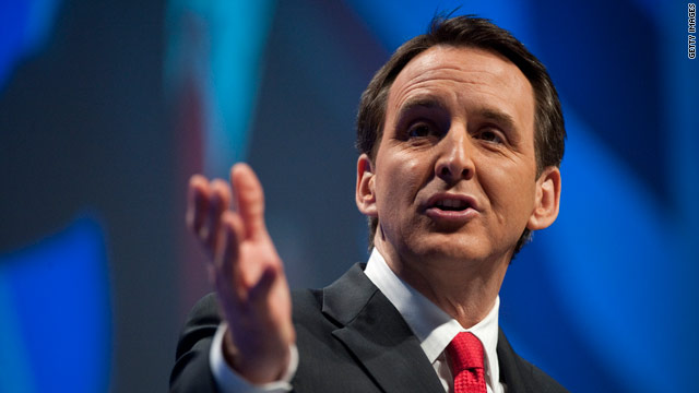 Pawlenty to Obama: &#039;Quit hiding in the basement&#039; over entitlement reform