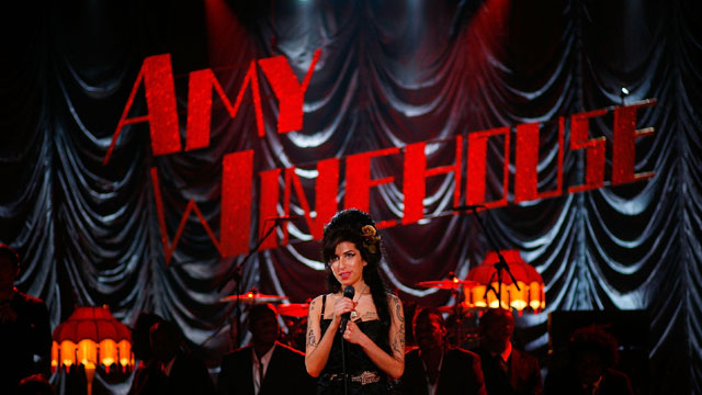 Amy Winehouse's early, troubled performances