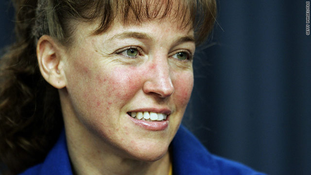 Navy approves retirement of former astronaut Lisa Nowak