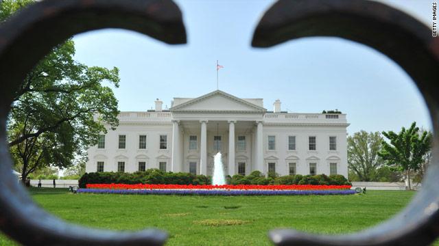 Reid and Pelosi head to White House for debt meeting
