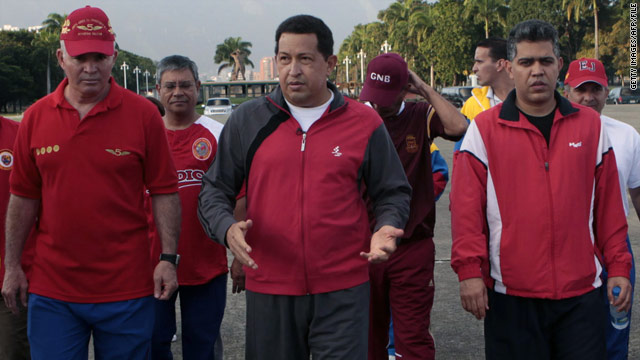 Hugo Chávez stars in workout video