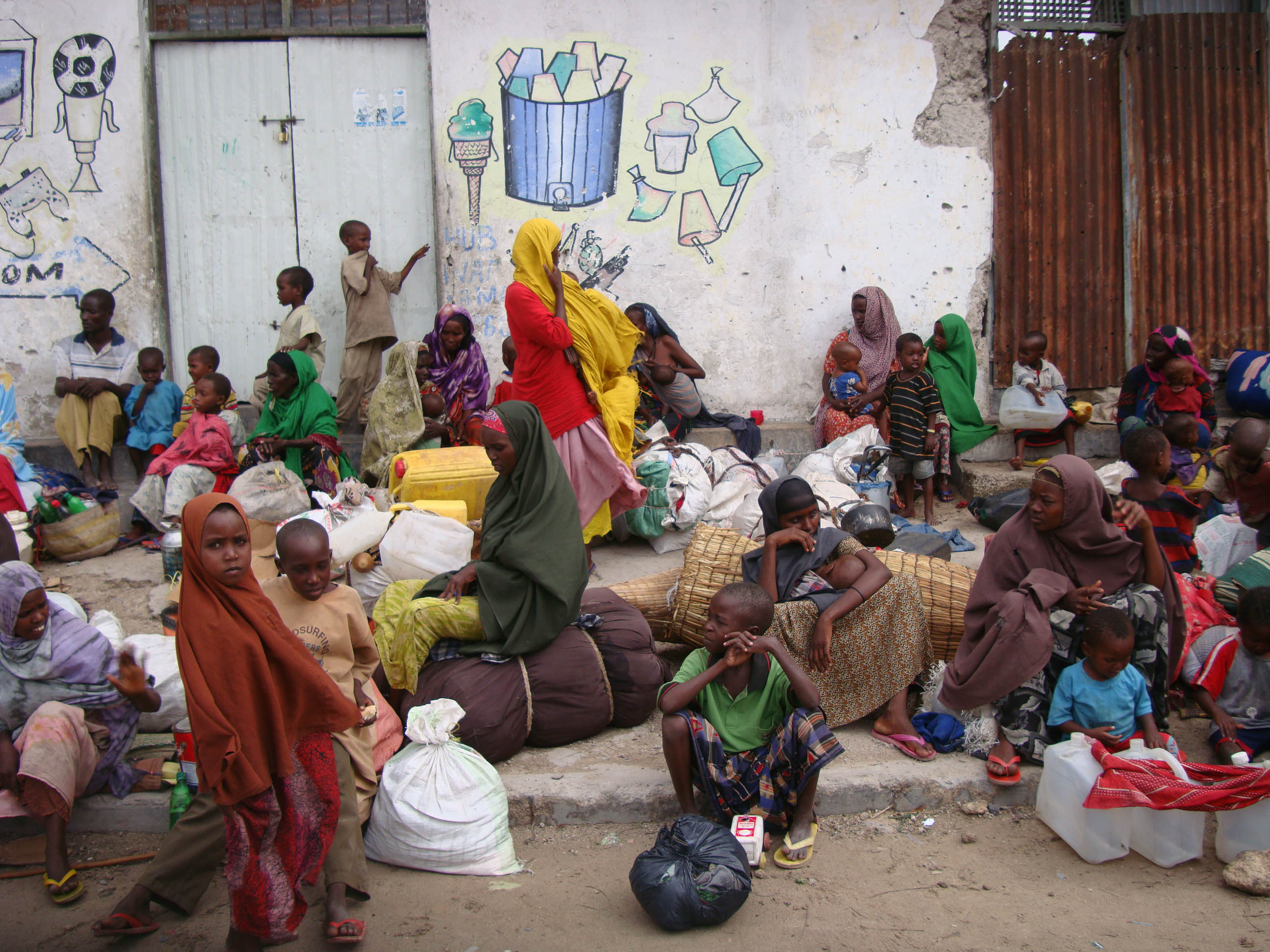 U.S. relaxes rules governing food aid to starving Somalis