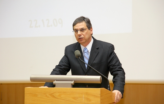  Deputy Foreign Minister Danny Ayalon speaks before a Knesset committee.