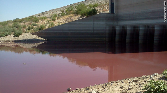 &#039;Blood lake&#039; a product of drought