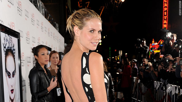 Heidi Klum's not leaving 'Project Runway'