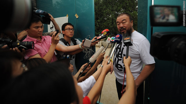 Artist Ai Weiwei back on Twitter, defiantly attacking China over jailed friends