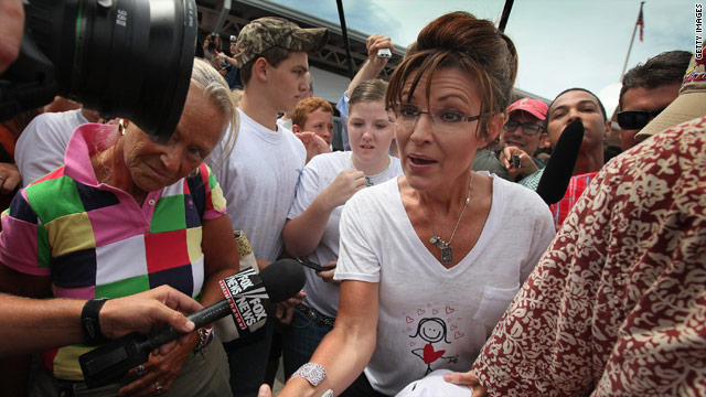 Palin swarmed at Iowa State Fair