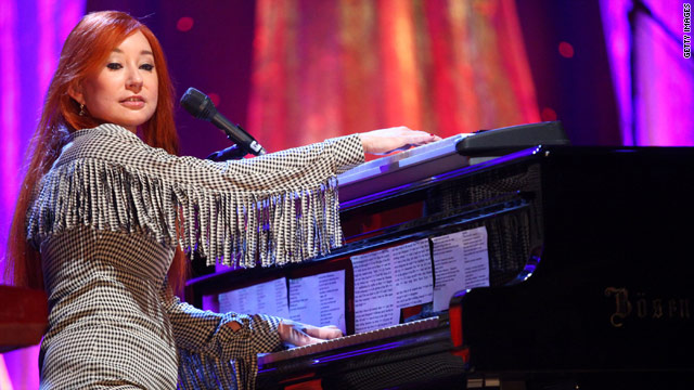 Tori Amos finds 'The Real Housewives' addicting