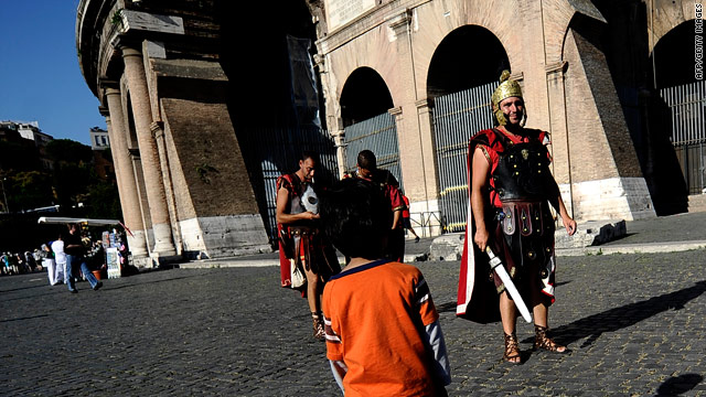Et tu, Spartace? Undercover cops smite rogue Roman gladiators