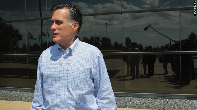 Romney refuses to engage on Perry, focuses on Obama