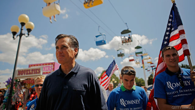 Romney tries to keep focus on Obama, not Perry