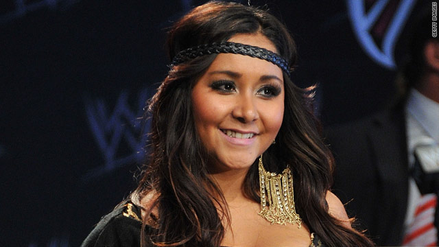 Snooki tweets sneak peek of her sunglasses line