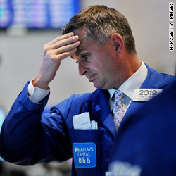 Dow falls 419 points on global economy fears