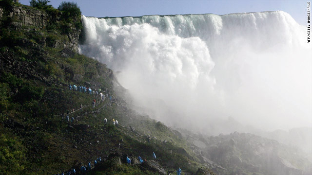 Body of woman swept over Niagara Falls recovered