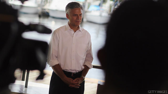 Trailing in the polls, Huntsman goes on the attack