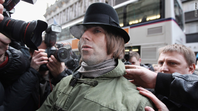 Liam Gallagher sues brother, demands apology
