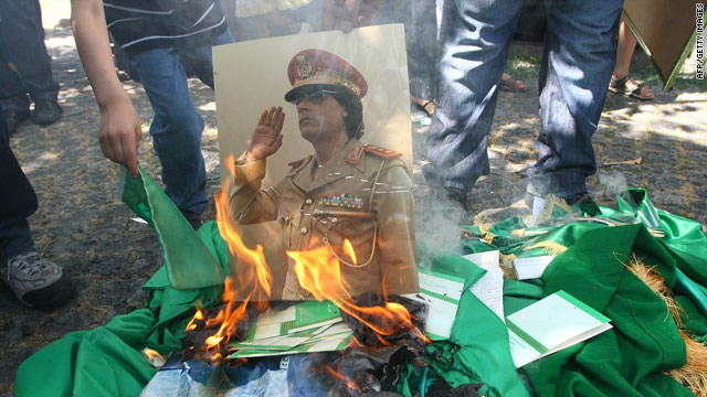 Live blog: NATO fears Gadhafi may strike at civilians