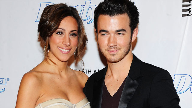 Kevin Jonas doesn't want to be a 'weird dog person'
